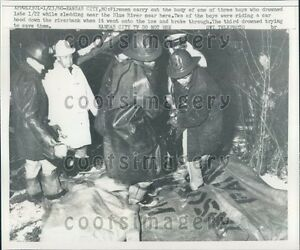 Details about 1960 Kansas City MO Firemen Carry Drowned Children Sled  Accident Press Photo