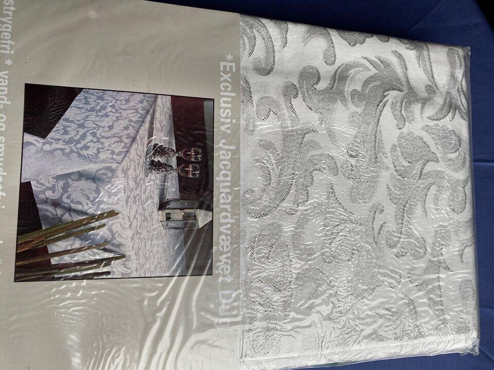 Jacquar vælvetdug i sølv grå farver, Exclusive vælvetdug