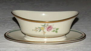 Lenox-Morning-Blossom-Gravy-Sauce-Server-with-attached-Underplate