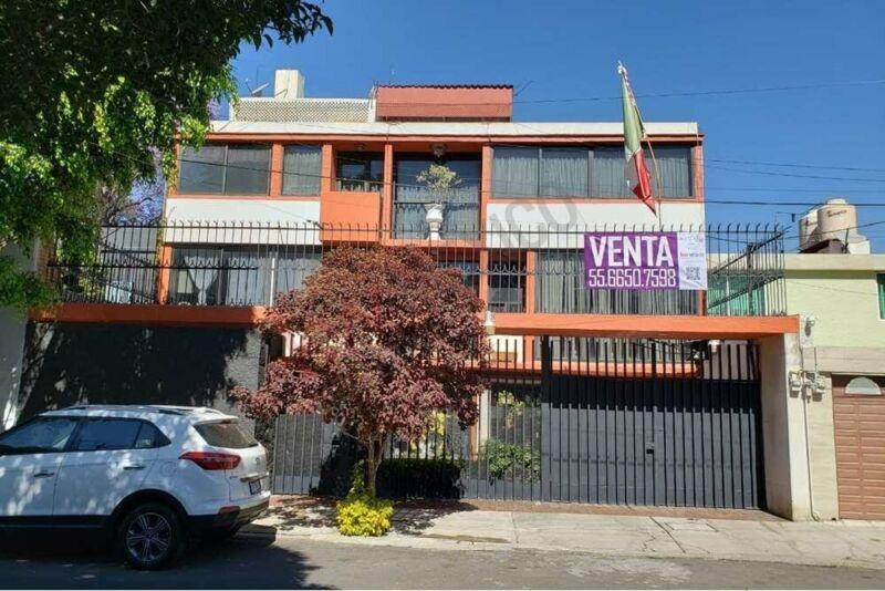 Residencia en venta, en el corazón de la colonia Lindavista