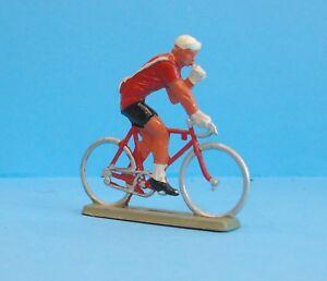 22631-Starlux-Tour-De-France-Radfahrer-Sich-Ravitaillant-1-32
