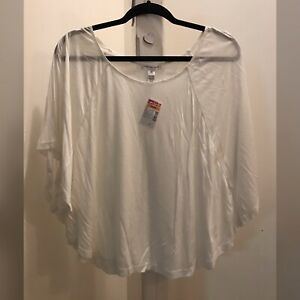 Ambiance-Apparel-White-Cropped-Top-Small