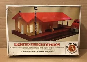BACHMANN-3014-Lighted-Freight-Station-HO-Scale-Building-Kit-MINT-Factory-Sealed