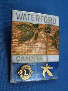 LIONS-CLUB-CANADA-WATERFORD-VINTAGE-HAT-LAPEL-PIN-SOUVENIR-COLLECTOR