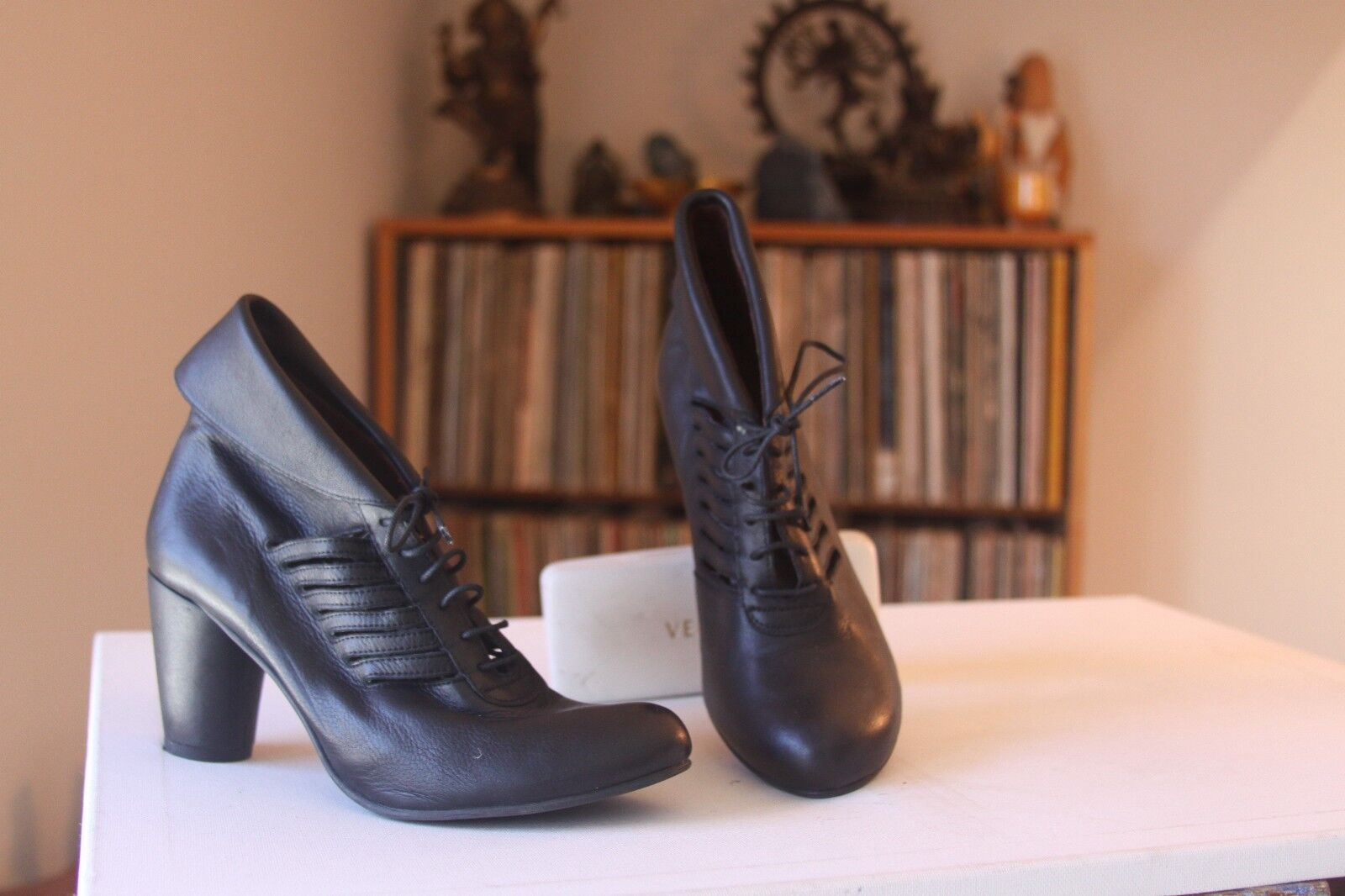 Jon Josef Black Leather 3 Inch Heel Lace Up Booties Pumps SZ 8 M Made In Mgoldcco