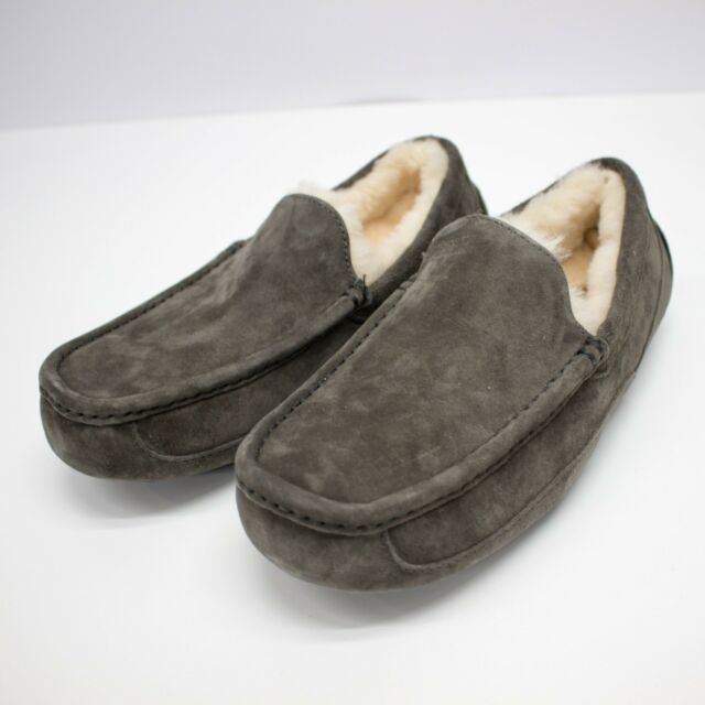 91cf17bfd42 UGG Men's Ascot Slipper Charcoal,9 D(M) US