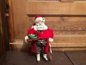 2001-Possible-Dreams-Clothtique-Mistletoe-Merriment-Santa-Claus-Figure