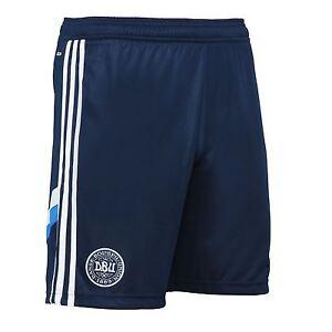 closer at fast delivery great quality Détails sur Adidas Danemark dBu Formation Shorts F46435 Homme ~ Football ~  RRP £ 30 ~ Taille UK Petit- afficher le titre d'origine