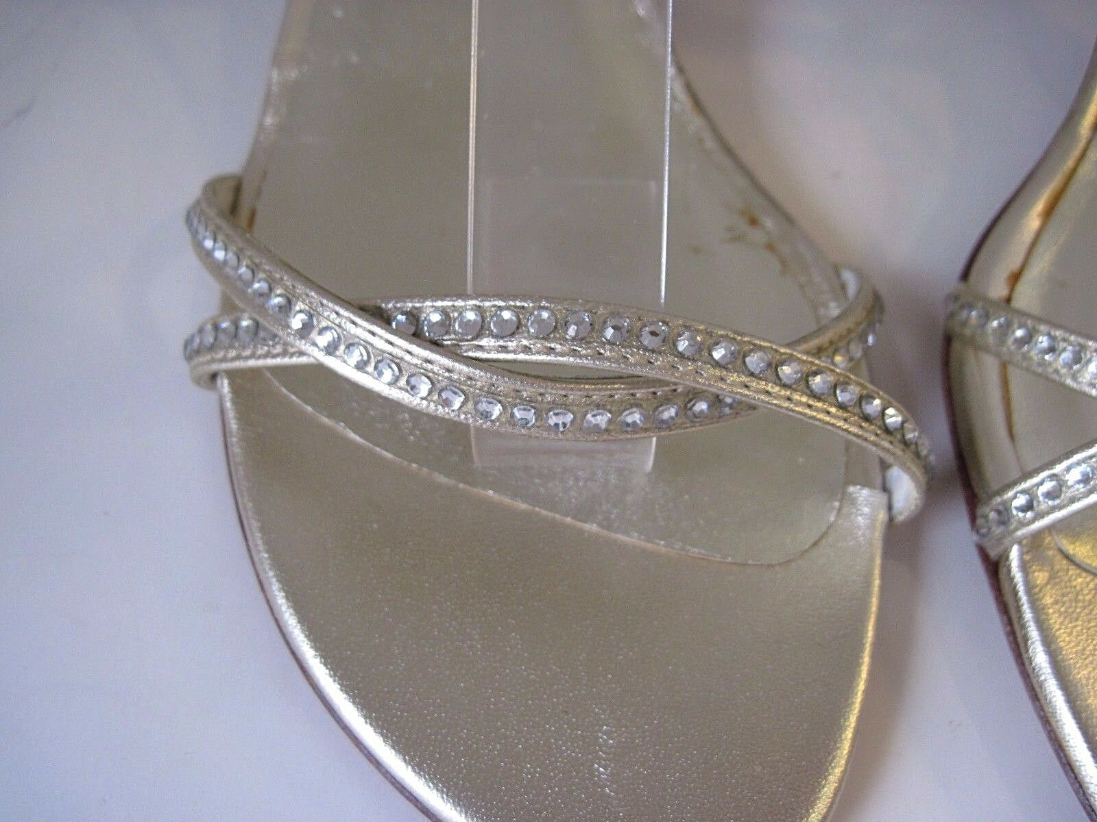 Stuart Weitzman Color Dorado Cristal Cristal Cristal De Cuero Enjoyado Charol Tacones Talla 6 1 2 M 82c365