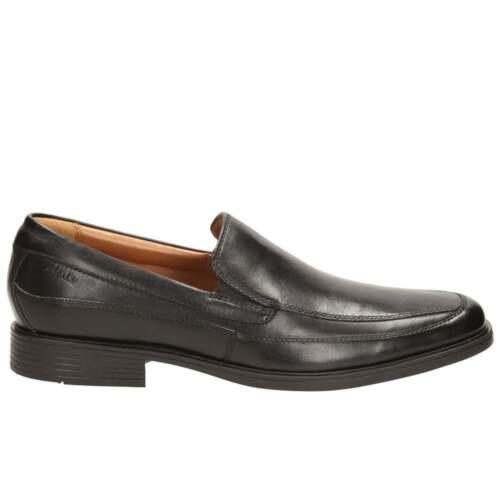 Clarks Tilden Free Mens Wide Leather Loafers