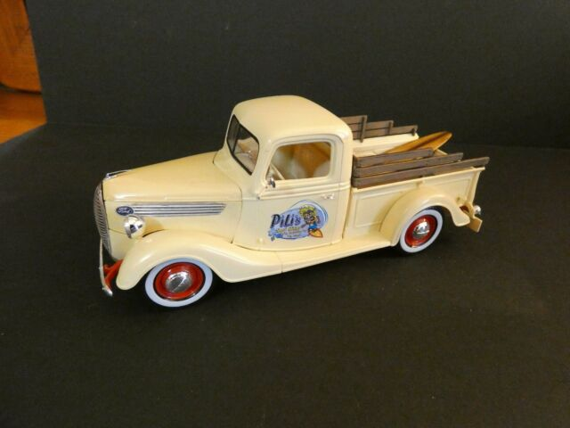 Professionally built 1/25 scale Revell 1937 Ford Pickup
