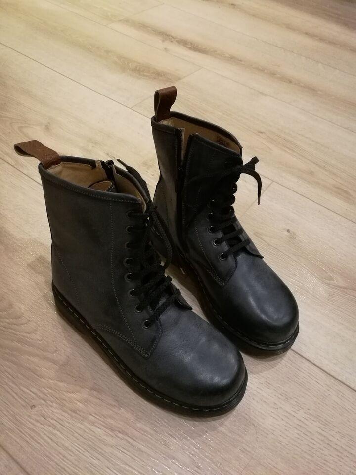 støvler str 33