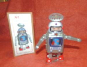 Jouet-de-l-039-Espace-ROBOT-Astronaute-MS-476-mecanique-a-clef