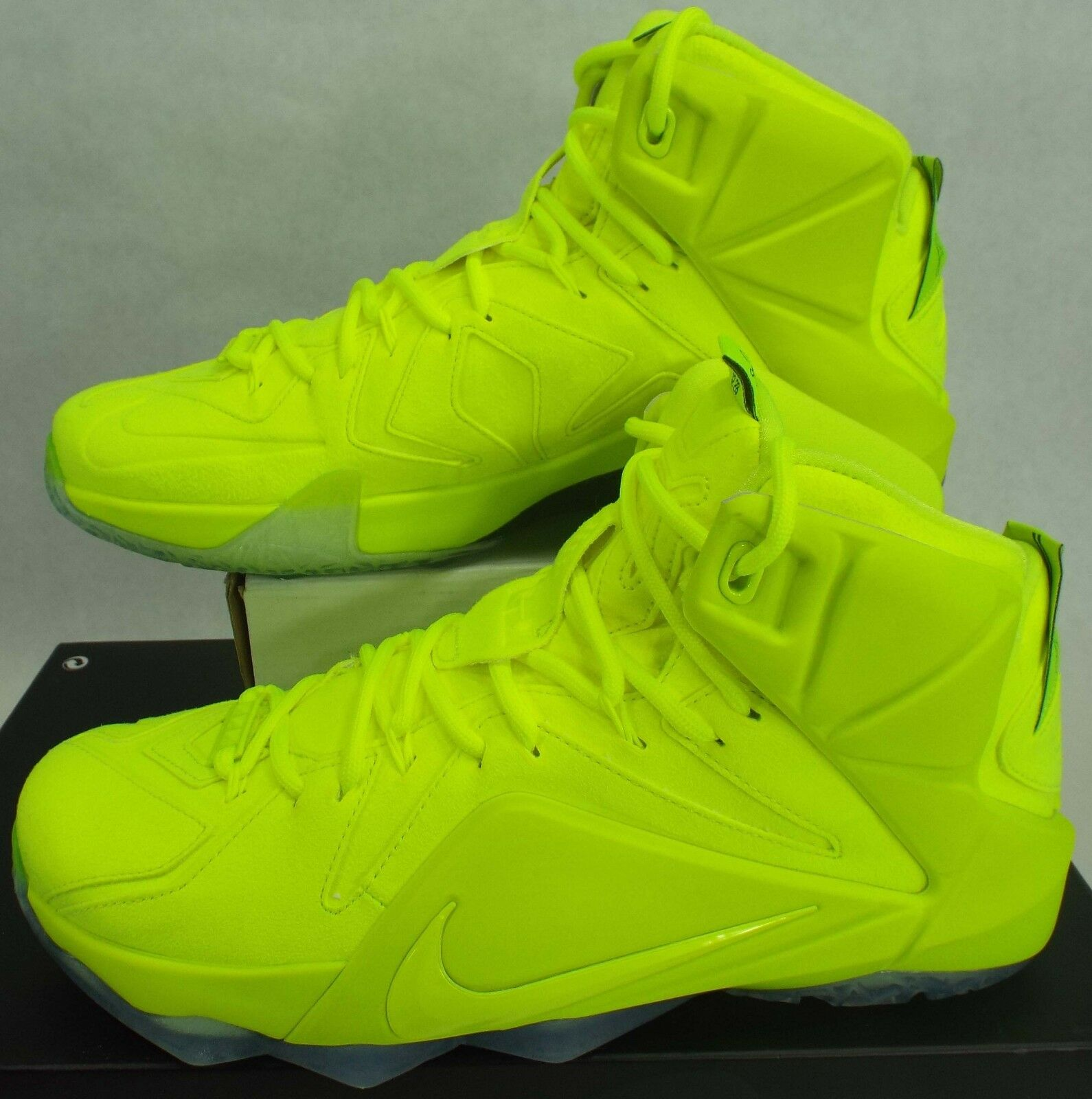 New Mens 9 NIKE Lebron XII EXT Volt Leather Basketball Shoes Price reduction