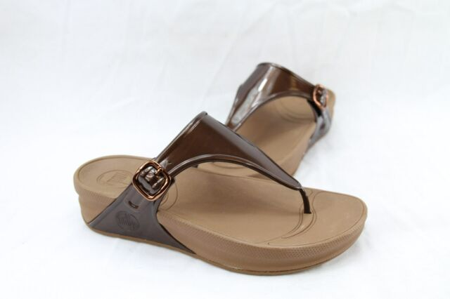 b5ab8a0d909 FitFlop Womens Superjelly Rubber Flip Flops Jelly Sandal Bronze 7 M ...