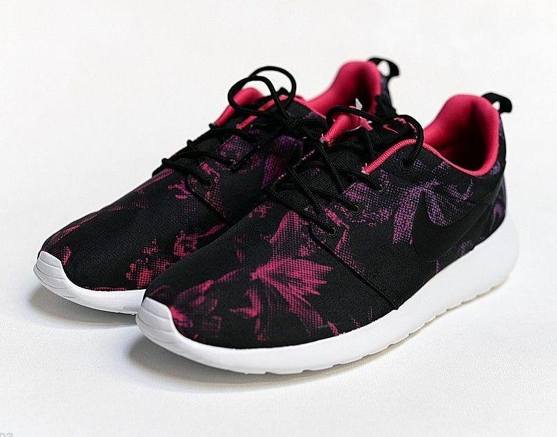 DS Nike Roshe Run Nagoya Marathon sz 12 599432-006 Asia Exclusive Violet Pink