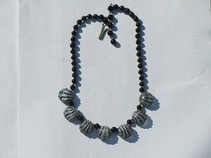 Unusual-1950-039-s-Glass-Necklace
