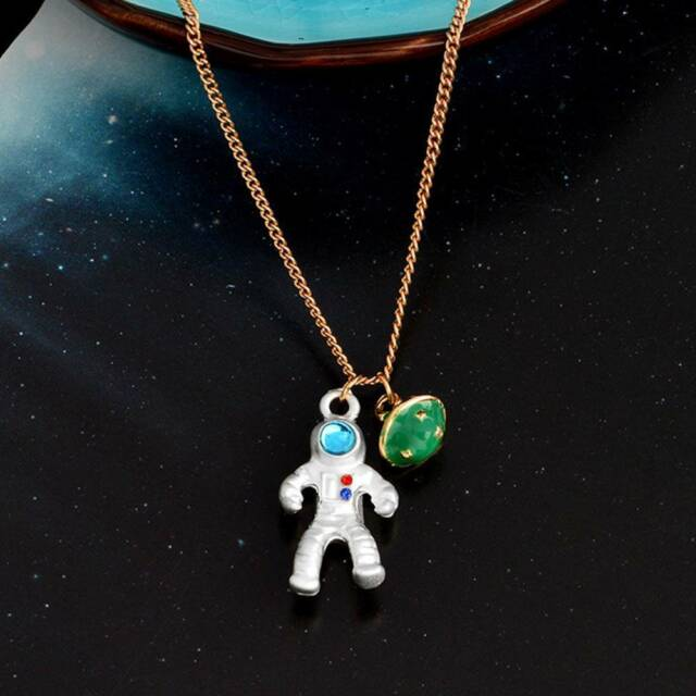 Fashion Astronaut Planet Charm Pendant Necklaces Clavicle Chain Jewelry G
