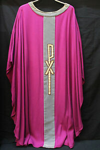 Casel-gotisch-Messgewand-modern-sakral-Kirche-violett-Motiv-PX