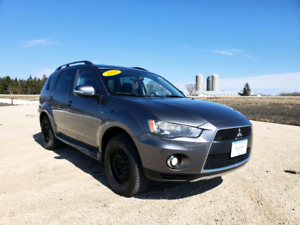 2011 Mitsubishi Outlander LS *7 PASSENGER/HEATED SEATS/CRUISE CONTROL/FIG LIGHTS/ REMOTE STARTER*