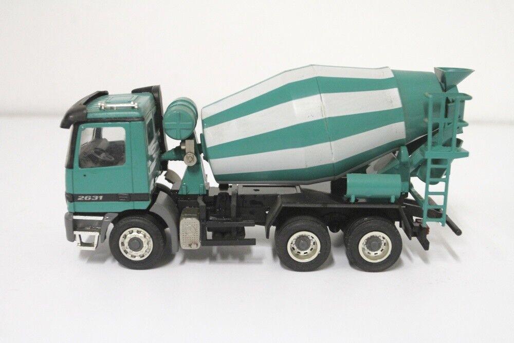 NZG Concrete Mixer Actros No. 449 Green