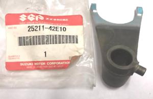 GENUINE-SUZUKI-GEAR-SHIFT-NO-1-FORK-25211-42E10-DL650-SV650-V-STROM