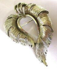 Superbe broche top qualité ancien bijou vintage couleur argent signé LISNER 205