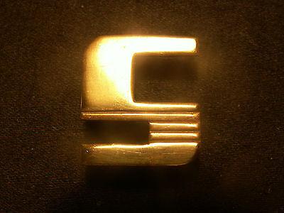 monogramme lettre initiale maroquinerie bagage art deco laiton doré neuf D