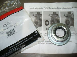 For Ford F-350 F-450 F-550 Super Duty 2005-2016 Front Outer Axle Seal Genuine