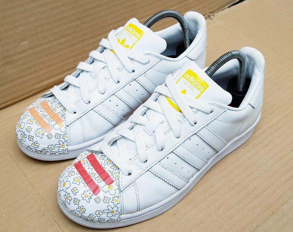 Adidas Superstar Superstar Superstar Pharrell Williams Super Shesh blancoo Impreso Entrenadores Talla 4 Reino Unido  Todo en alta calidad y bajo precio.