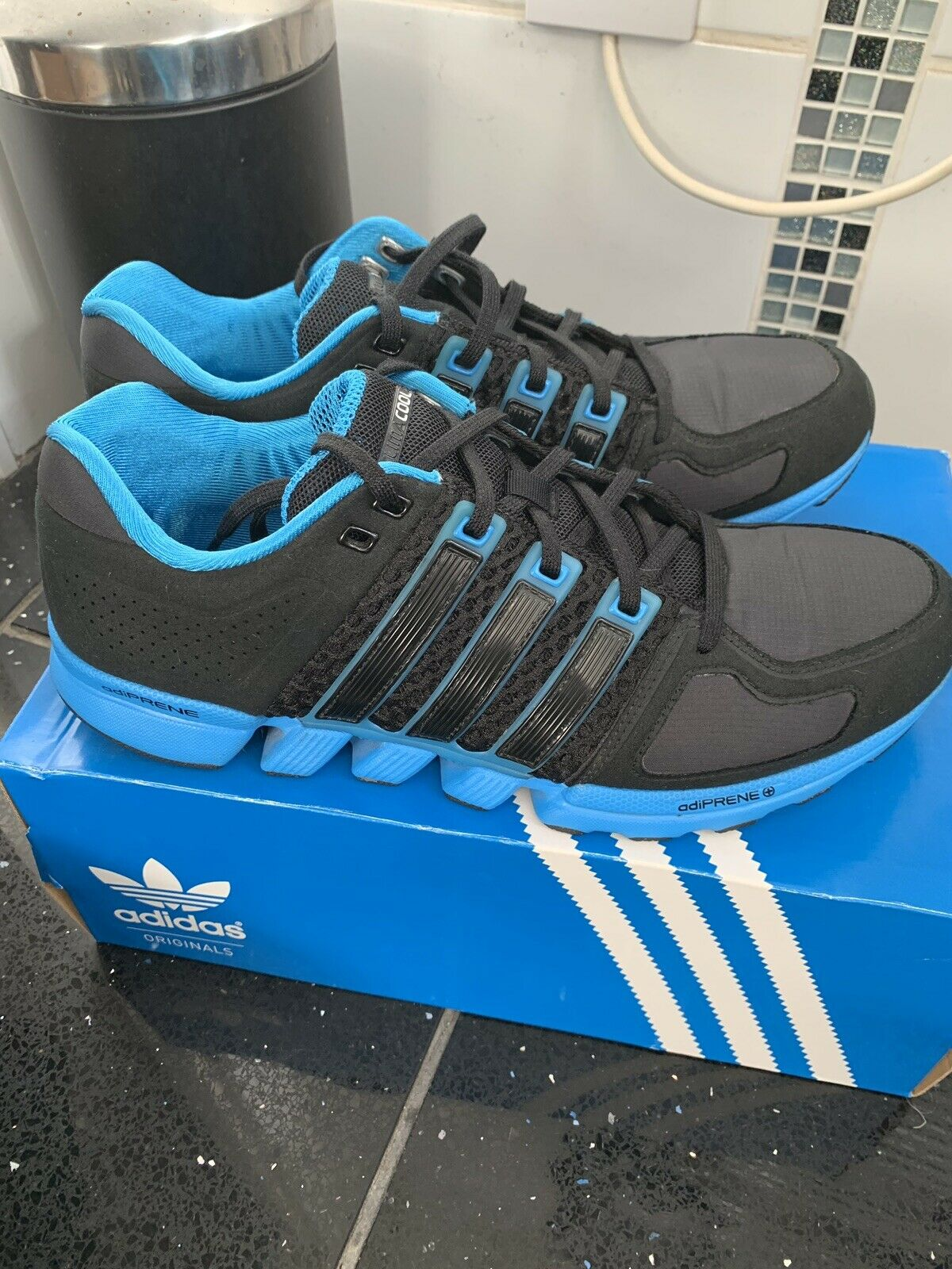 Adidas Runbox 1.1 Size 9  1 2  RRP .95  perfect
