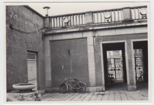 (F23751) Orig. Foto Leipzig, Sportforum, Setzungsrisse Kassengebäude 1960er