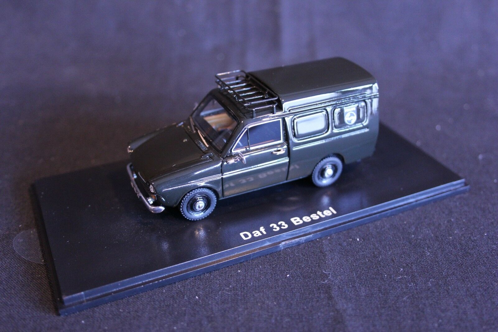 QSP Model Collection DAF 33 Bestel 1 43  Philips