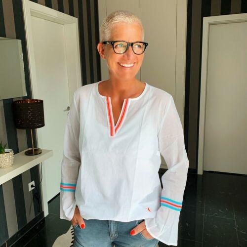 Emily Van Den Bergh Bluse im Ibiza-Look mit coolen Neon-Tapes