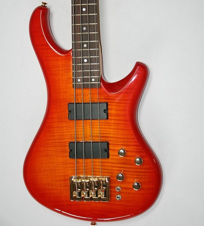Acepro Edel E-Bass 4-Saiter Aktiv  Coil Split  Riegelahorn-Top  Ahornhals G 111