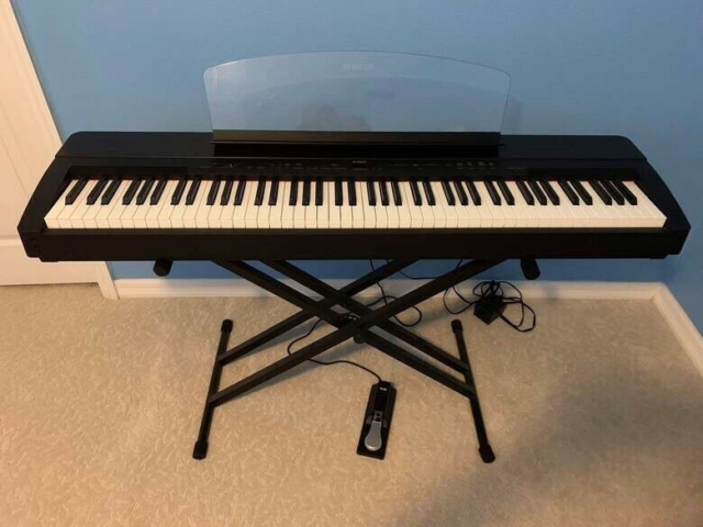 Elklaver, Yamaha, P-140 88 Key Stage Piano, Black, Luksus…