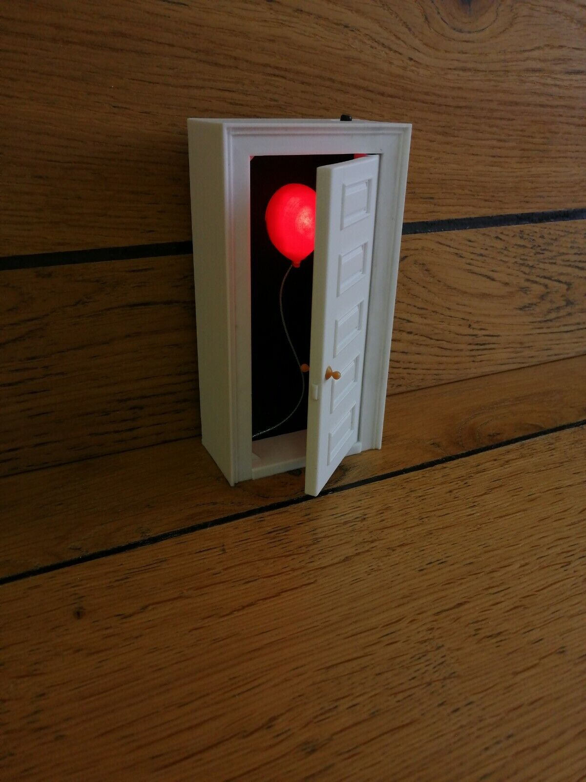 IT Spooky Door - Desktop Lamp - 3D Printed