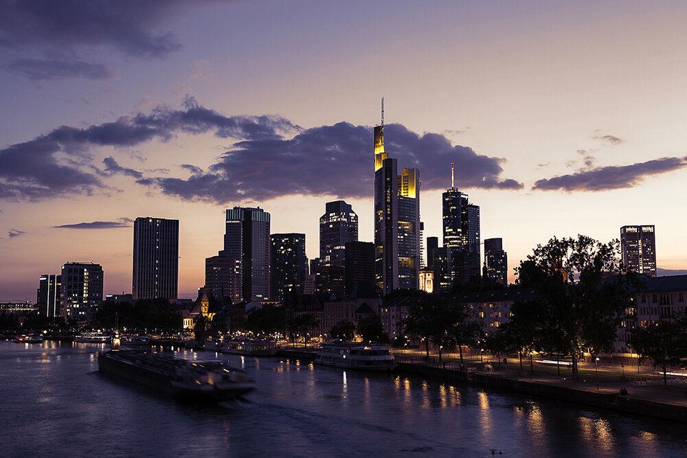 Fototapete Frankfurt Skyline Panorama  Kleistertapete oder Selbstklebende Tapete