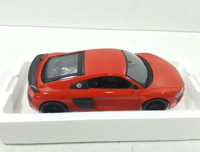 AUDI R8 V10 PLUS RED EXCLUSIVE EDITION 1//18 DIECAST MODEL BY MAISTO 38135