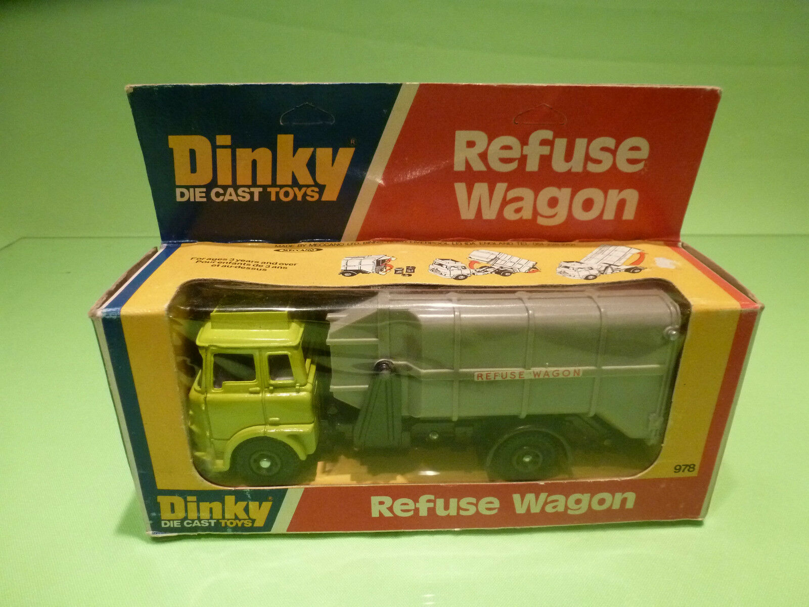 DINKY TOYS 978 REFUSE WAGON - LIME GREEN - RARE SELTEN - GOOD CONDITION IN BOX