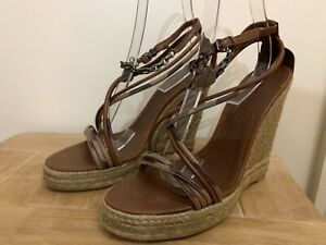 4d7efcd8f62 BNIB BURBERRY BROWN LEATHER NOVA CHECK WEDGE HEEL SANDALS WITH ...