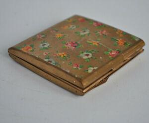 Vintage-Stratton-Powder-Compact-amp-mirror-Square-brass-gold-Floral-Spider-039-s-Web