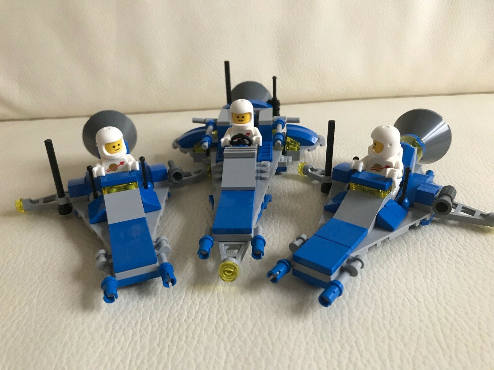 LEGO SPACE - 3 white SPACEMEN from 70841 + 3 x SPACESHIPS - my design 4