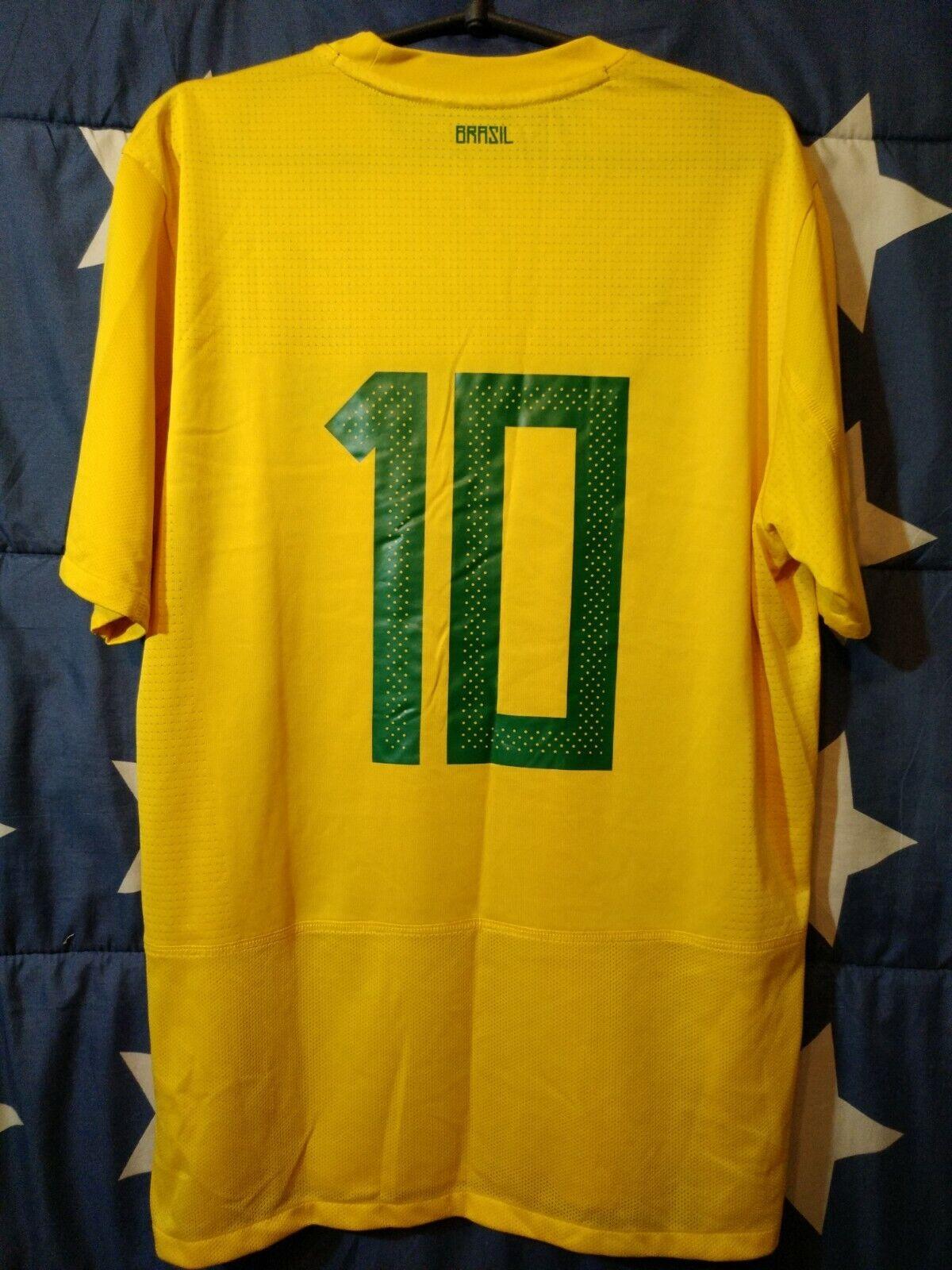 Größe L Brazil 2011-2012 Home Football Shirt Jersey  10