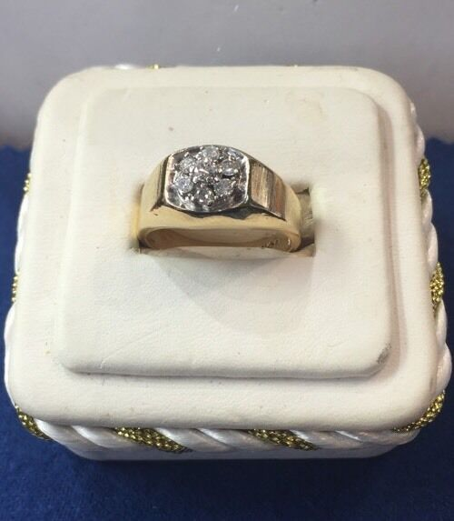 Solid10k Yellow gold Solitaire Style 0.50ctw DIAMOND Ring (Size 9.75)