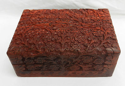 Stunning Kashmir / Indian Deep Relief Hand Carved Box - Beautiful Piece - BNWT