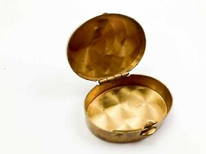 ANTIQUE-VICTORIAN-NOUVEAU-BRASS-TRINKET-Oval-CASE-PILL-COMPACT-BOX-HINGED