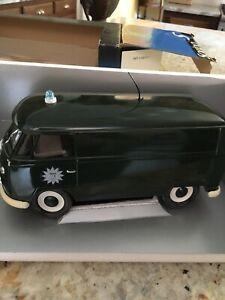 SOLIDO PRESTIGE - 1966 VOLKSWAGEN / VW Transporter Polize 1/18 DIECAST