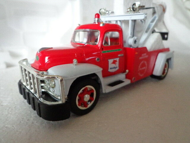 1st Gear 1955 Diamante-T Mobil Gas servicio de grúa