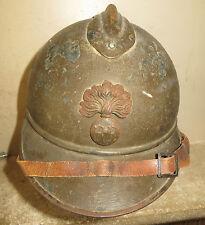 Beau et rare casque ADRIAN modèle 1915 de l' Infanterie, peinture kaki. 1914-18.